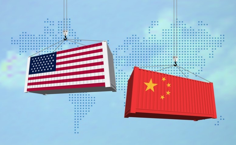 Containers with American and China Flag